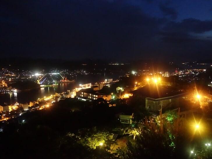 千光寺展望台から見た尾道市の夜景の写真