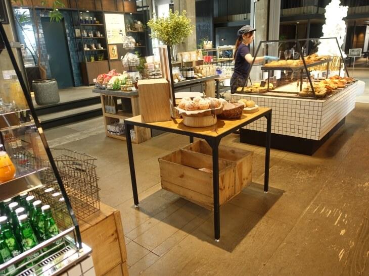尾道U2にあるパン屋ブッチベーカリーの外観の写真