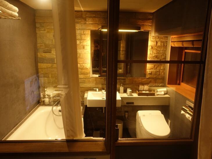 HOTEL CYCLEのシャワー室の外観を撮影した写真