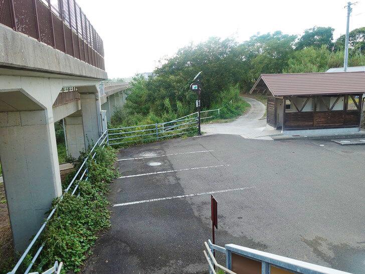 西分駅の階段を撮影した写真