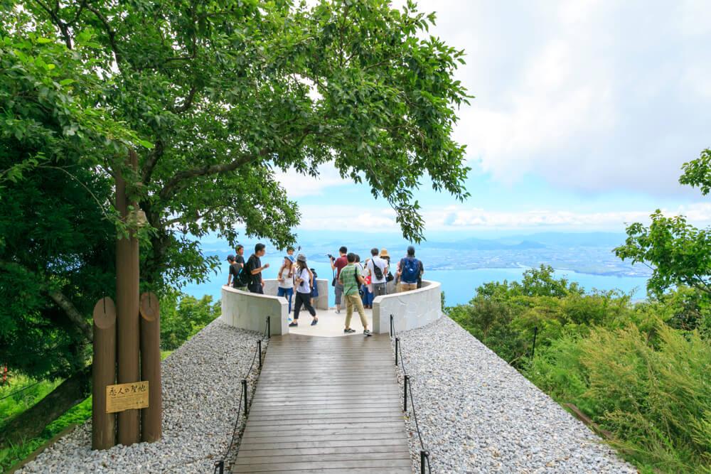 びわ湖テラスの展望スポット「恋人の聖地」の写真