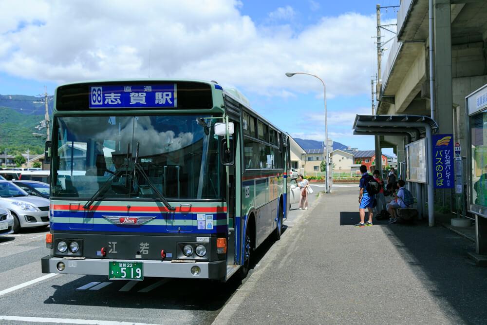 びわ湖テラス行きのシャトルバスの写真