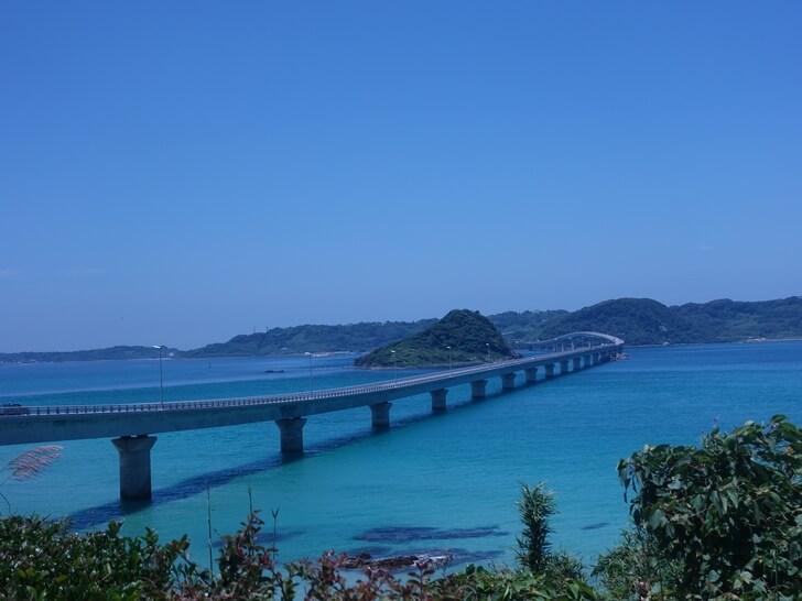角島大橋の外観を撮影した写真