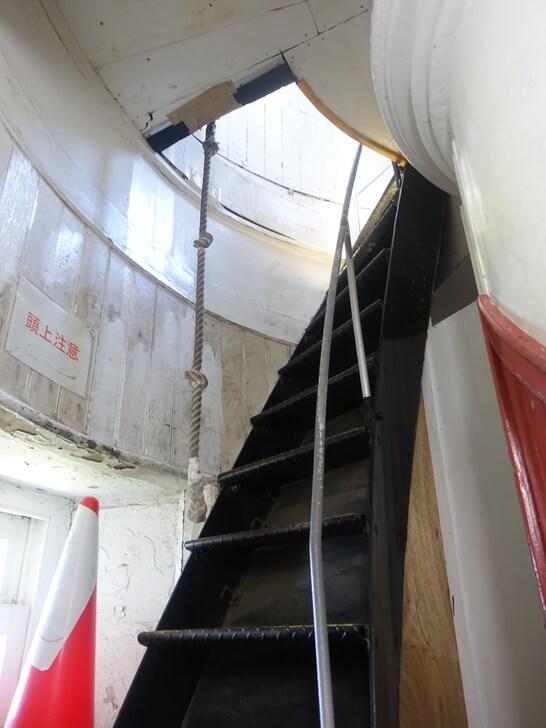 角島灯台の階段を撮影した写真