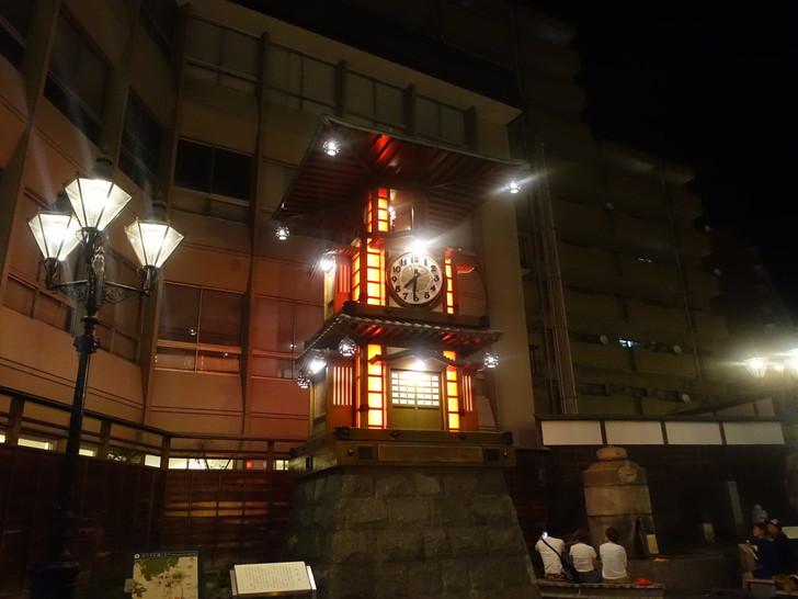 道後温泉駅前の坊ちゃんカラクリ時計の写真
