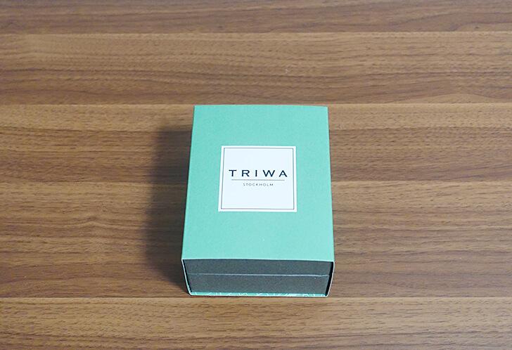 TRIWAの腕時計のパッケージ