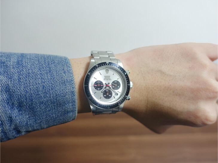 ジャムホームメイドの腕時計を実際に着用してみた写真