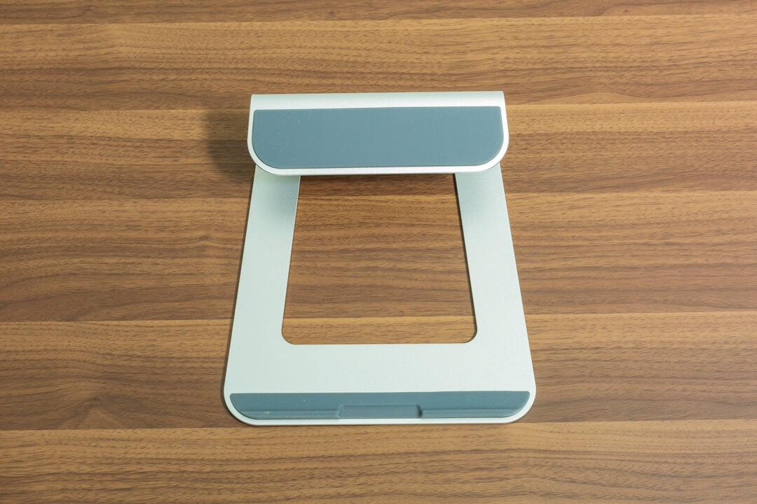 loeのノートパソコンスタンドの滑り止めを撮影した写真