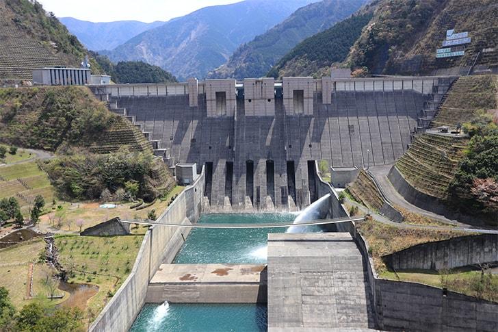 南アルプスあぷとライン周辺にある長島ダムの写真