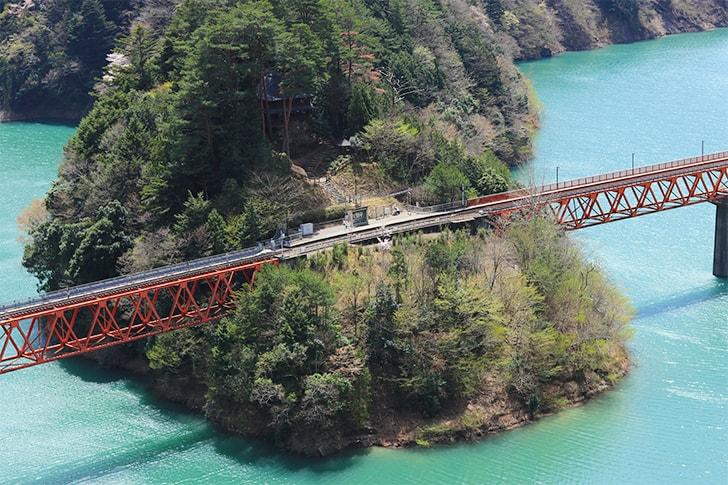 奥大井湖上駅を写真スポットから撮影した写真