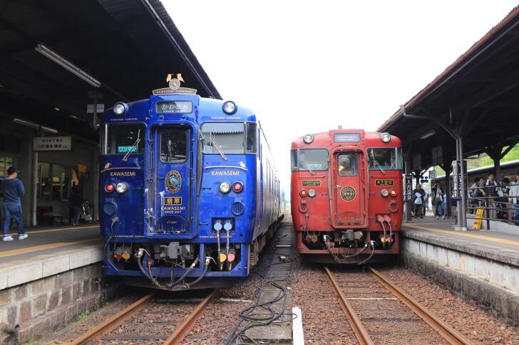 JR九州の観光列車「かわせみ・やませみ」の外観