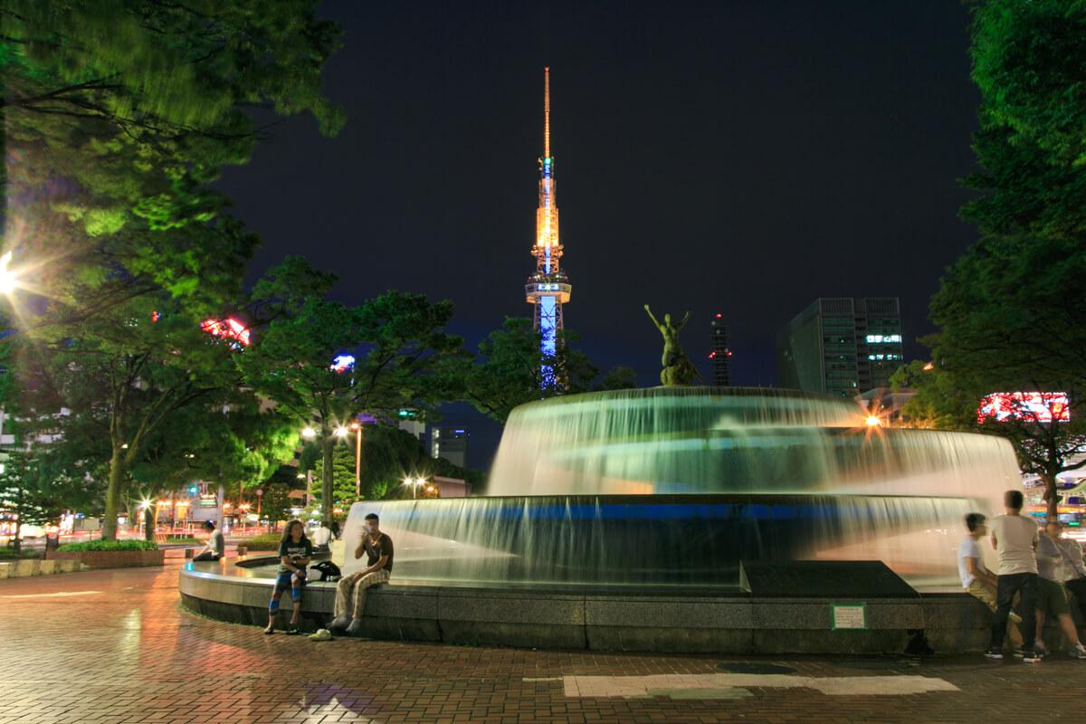 希望の広場の噴水とテレビ塔を撮影した写真