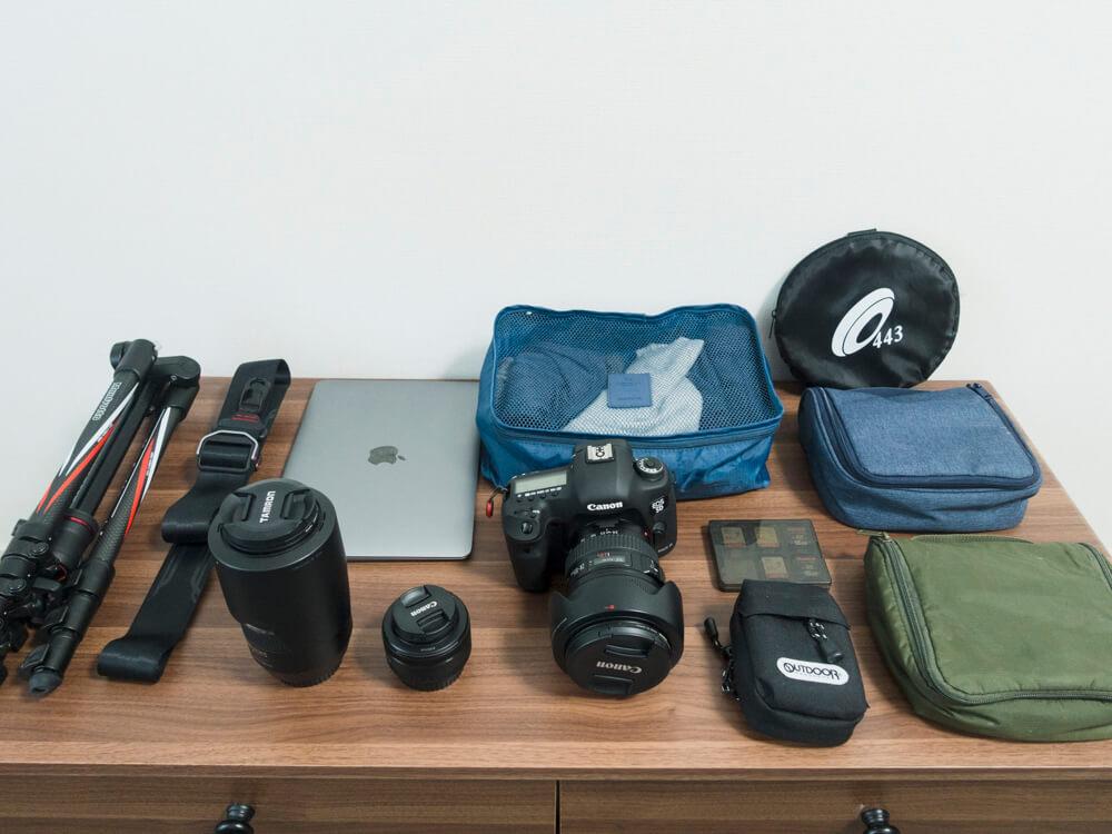 カメラバッグ「endurance」に収納するカメラ機材旅行グッズ一覧