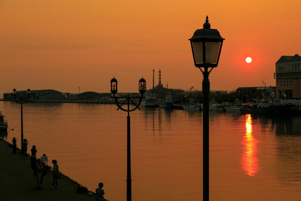 幣舞橋からみた夕日の写真