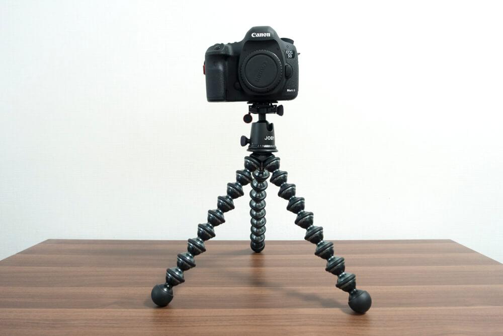ゴリラポッドに一眼レフカメラを装着した写真