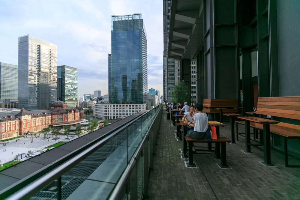 新丸ビル7階テラスの写真