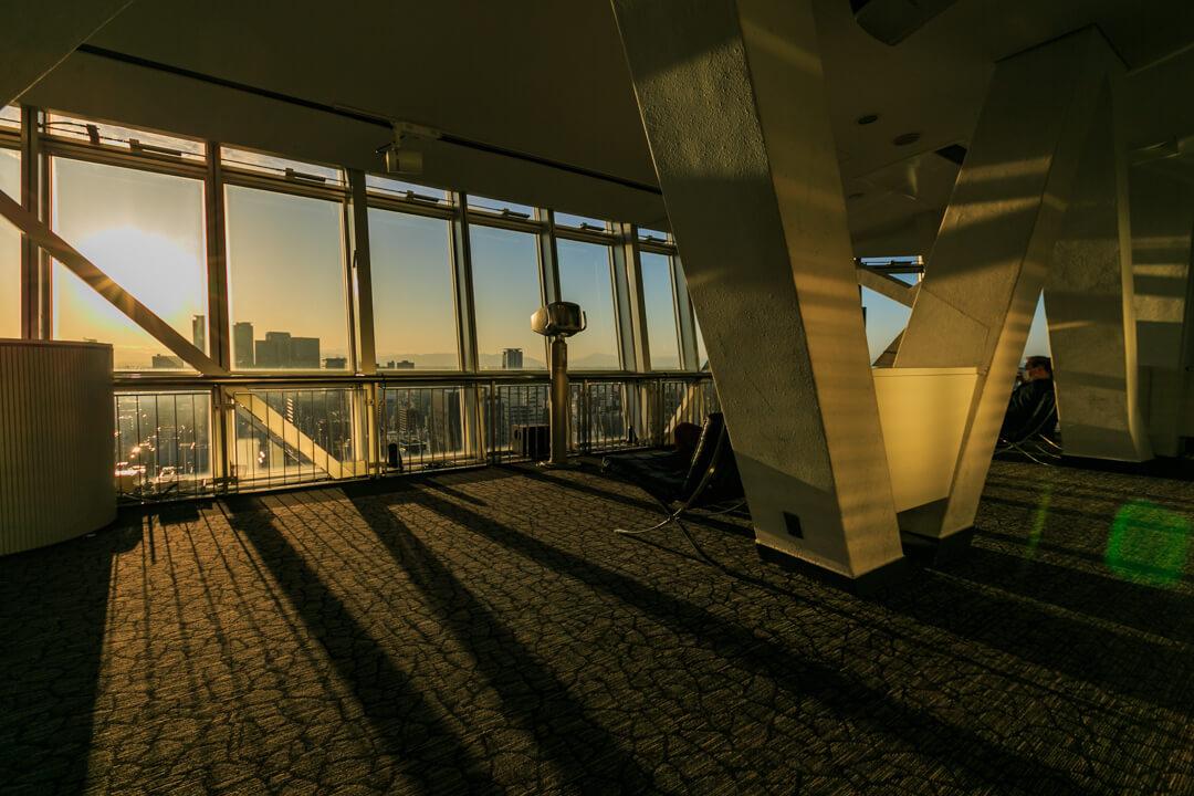 名古屋テレビ塔スカイデッキから眺める夕焼けの写真