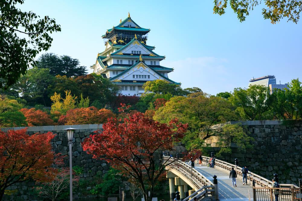 極楽橋と一緒に撮影した大阪城の写真