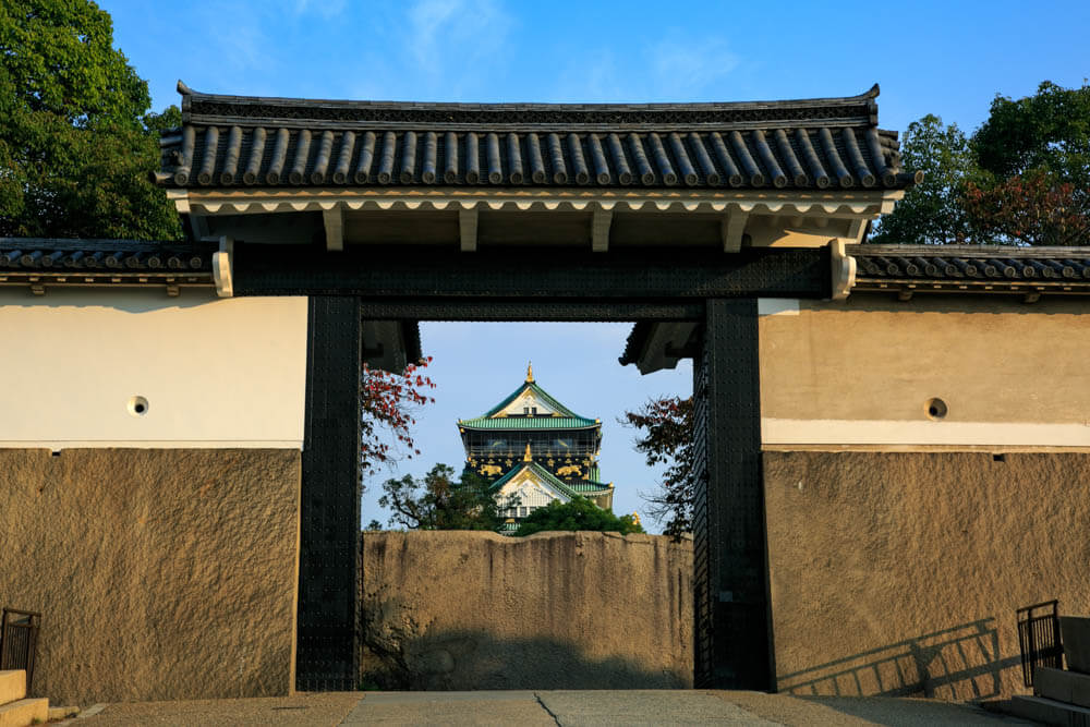 桜門から撮影した大阪城