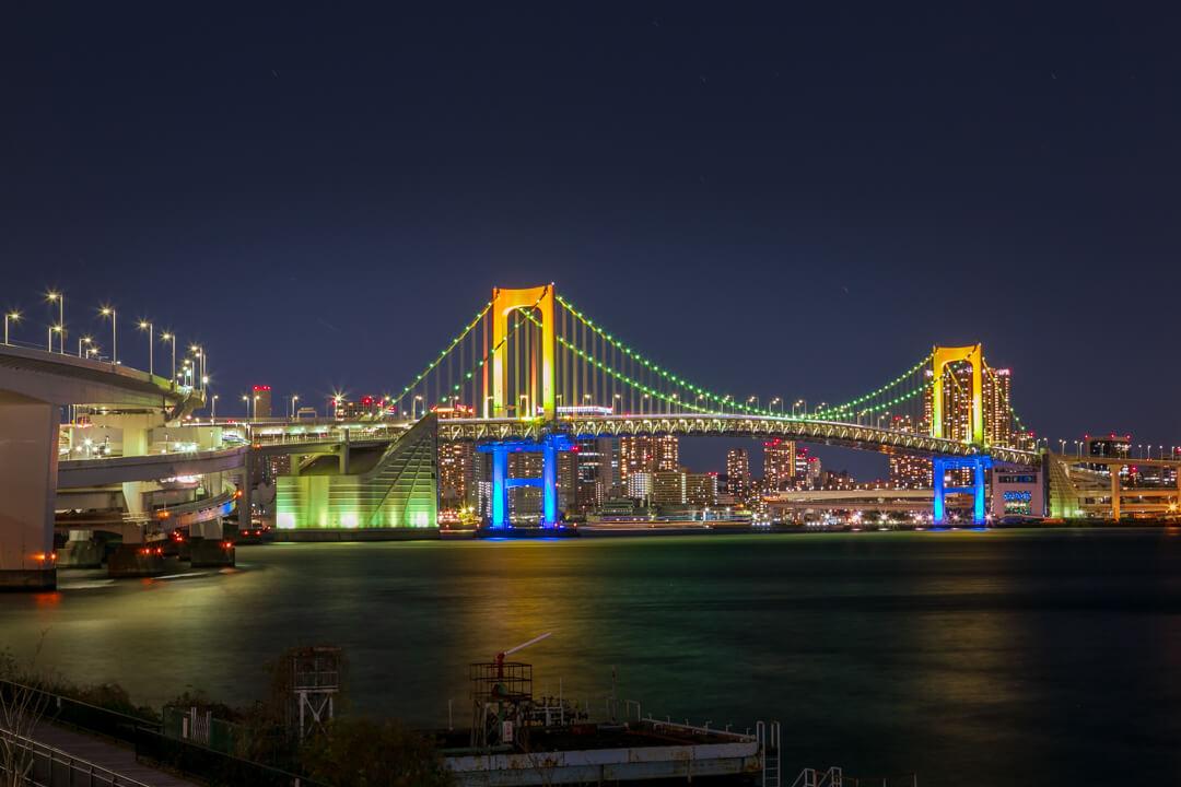 富士見橋から撮影したレインボーブリッジの写真