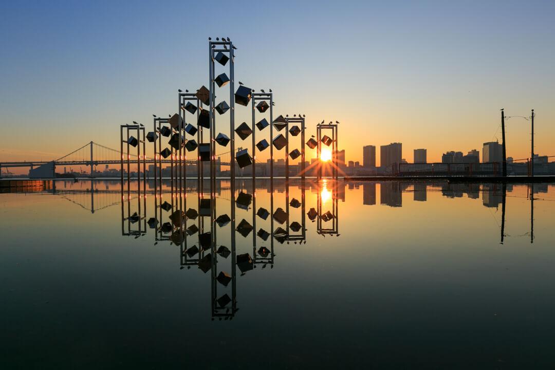 晴海埠頭旅客ターミナルから撮影した夕日の写真