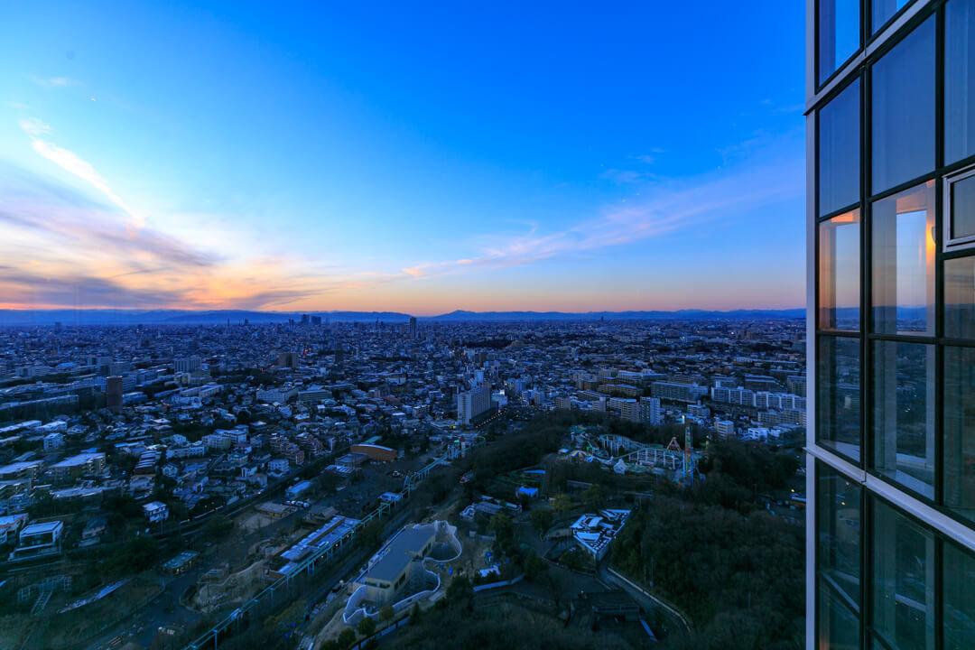 東山スカイタワーの夕景の写真