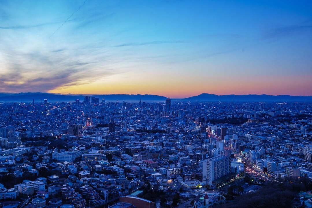 東山スカイタワーから眺める夕景の写真
