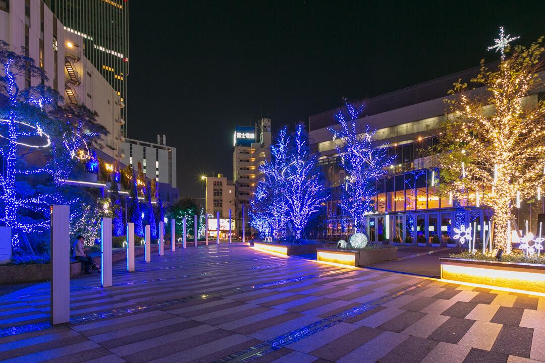 名古屋ルーセントタワーのライトアップを撮影した写真
