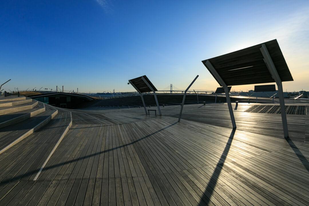 大さん橋の屋上広場「くじらのせなか」の写真