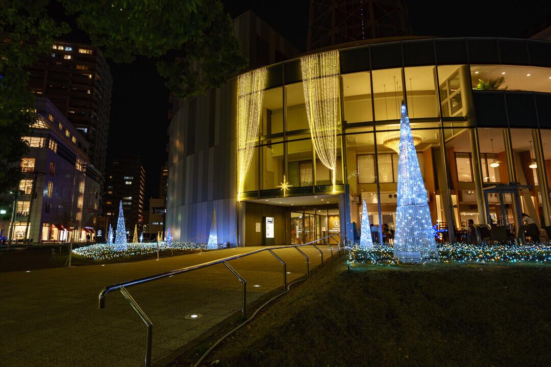 横浜マリンタワーのイルミネーションを撮影した写真