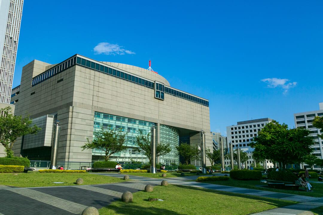 愛知芸術文化センターの外観の写真
