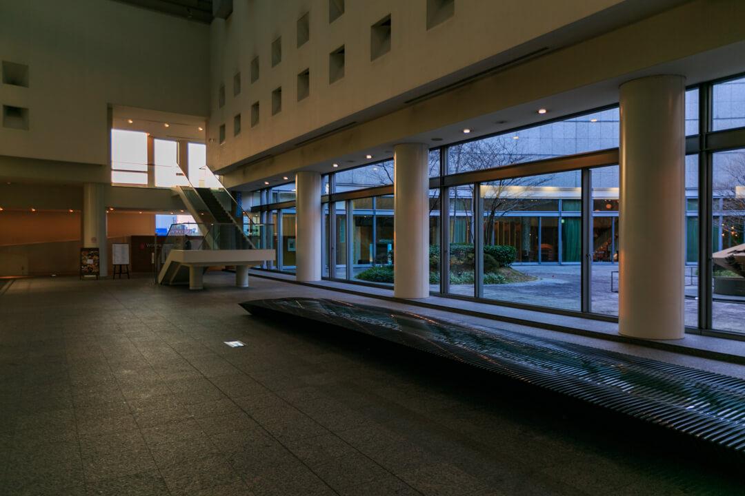 愛知芸術文化センターのロビーの写真