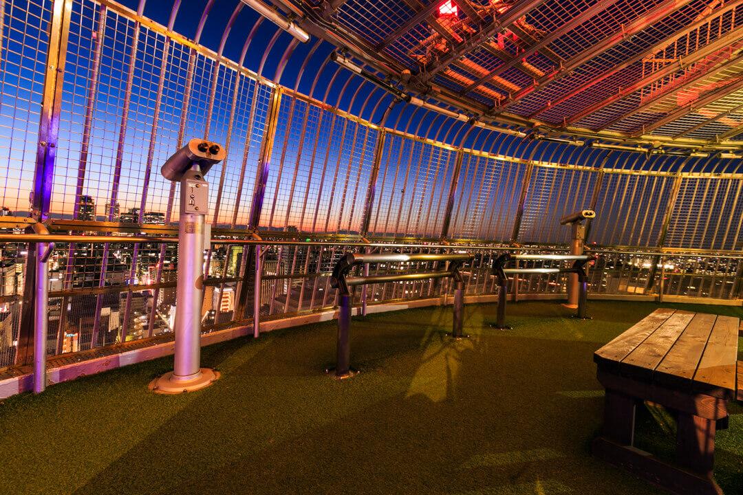 名古屋テレビ塔スカイバルコニーの夜景を撮影した写真