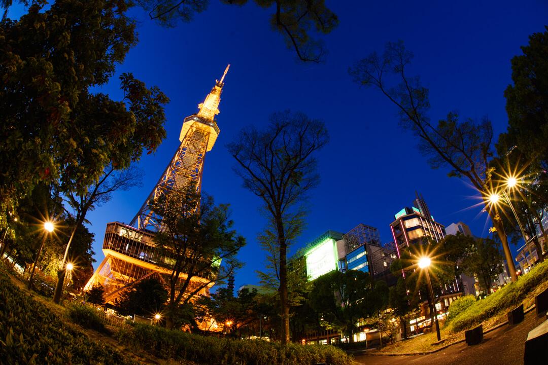 魚眼レンズで撮影した名古屋テレビ塔の写真