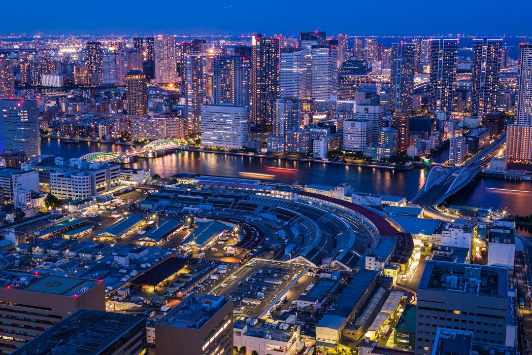 カレッタ汐留の無料展望室から撮影した夜景写真