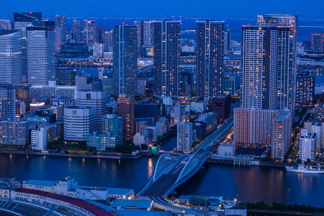 カレッタ汐留から撮影した築地大橋の写真