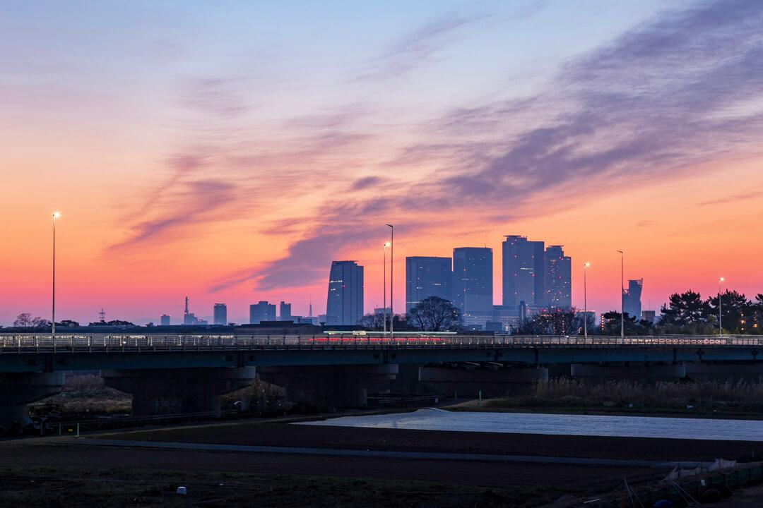 豊公橋(ほうこうばし)から撮影した名古屋駅方面の夜景