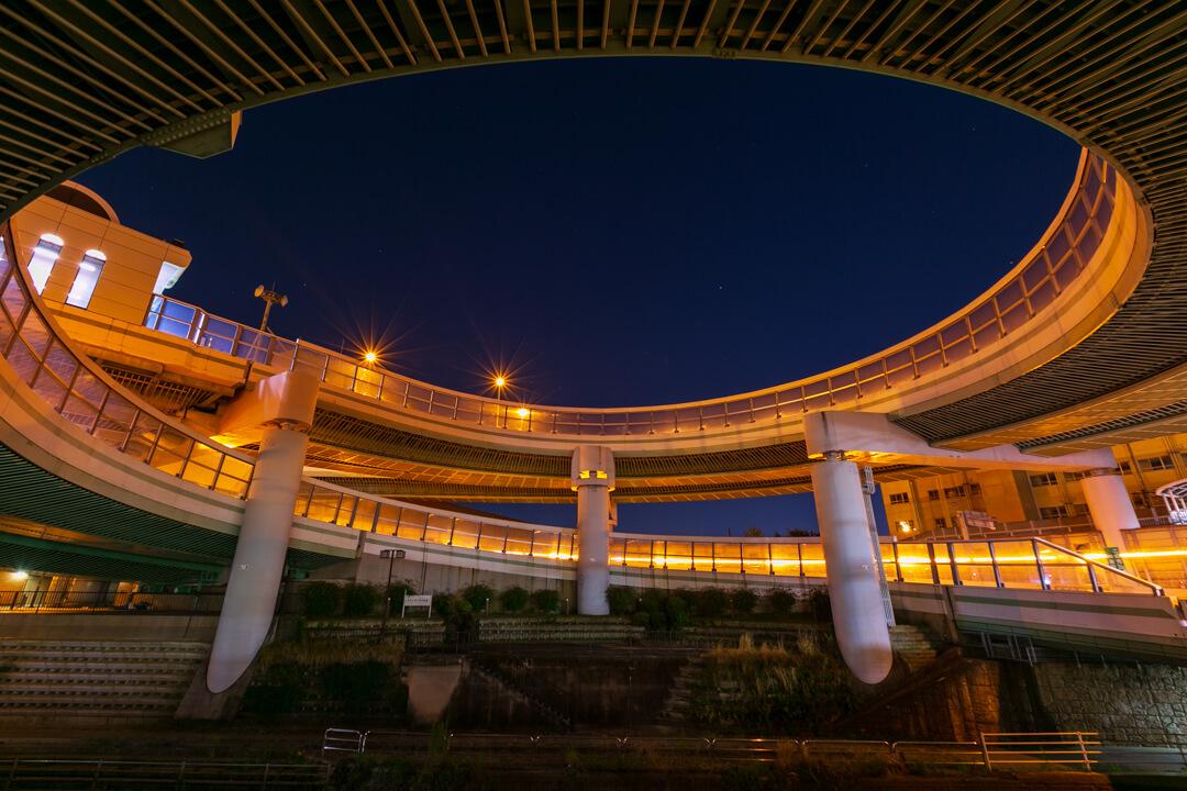 黒川インターチェンジの夜景