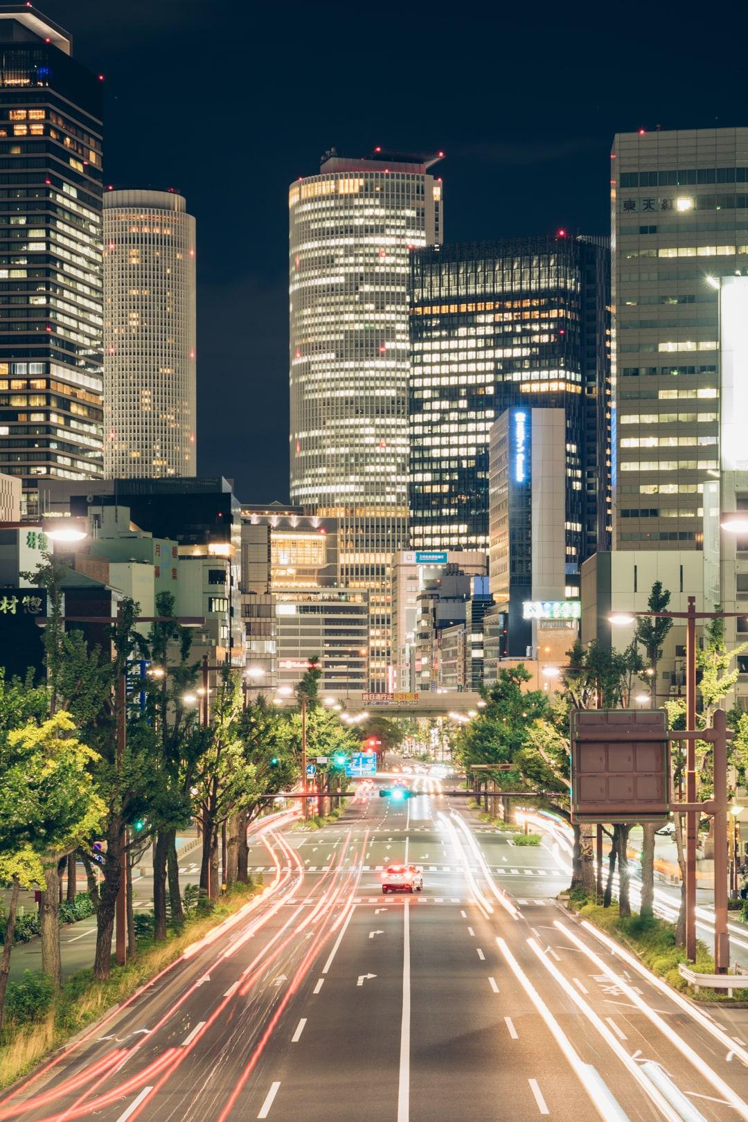 丸の内歩道橋から撮影しいた名古屋駅前の夜景