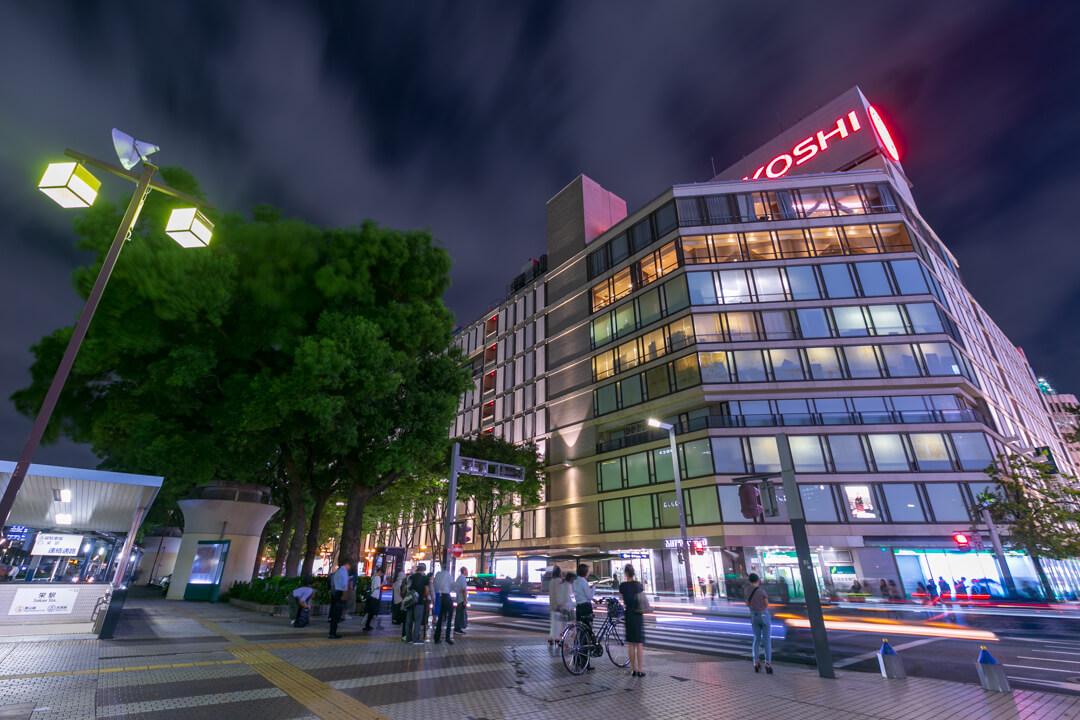 久屋大通公園南側から撮影した名古屋三越の夜景