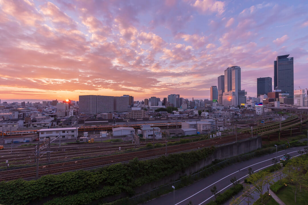 ささしまグローバルゲート「屋上庭園」から撮影した名古屋駅前の夜景