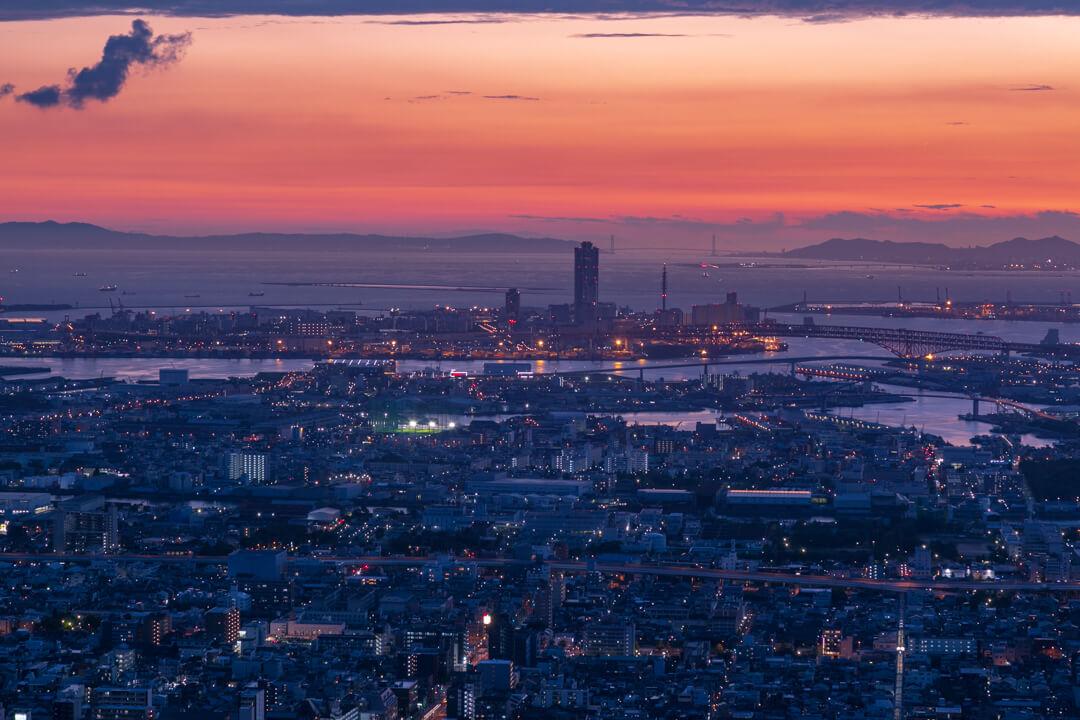 あべのハルカスから眺める黄昏時の写真