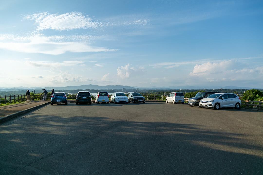 ともやま公園の駐車場の写真