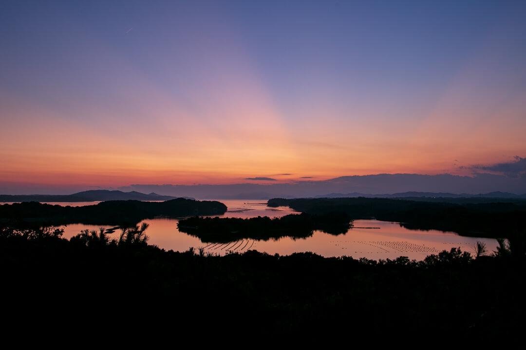 桐垣展望台から撮影した夕日の写真