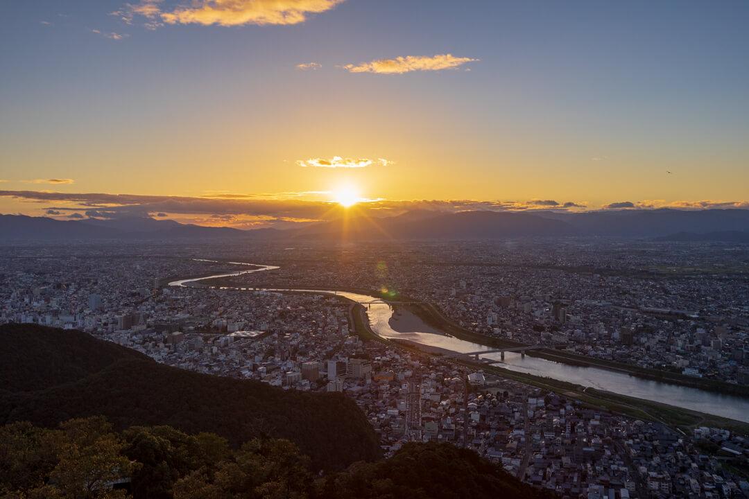 金華山展望台からの夕景