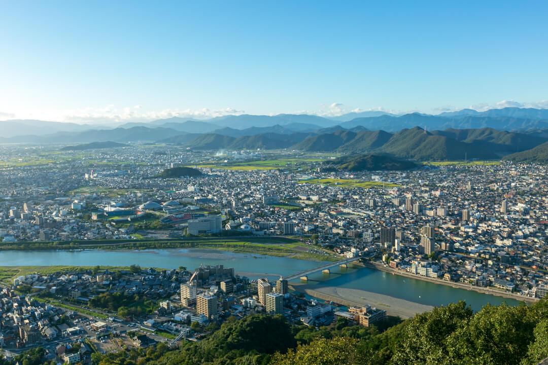 金華山展望台から眺める景色(西側)