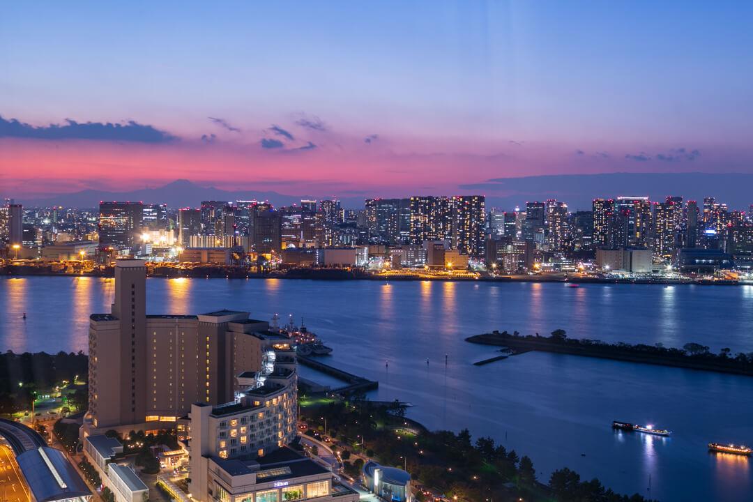 フジテレビ展望室から撮影したヒルトン東京台場の写真