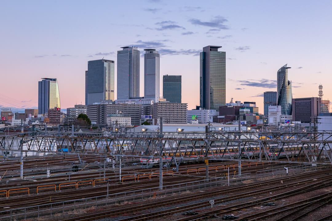 向野橋から撮影した早朝の名古屋駅の景色
