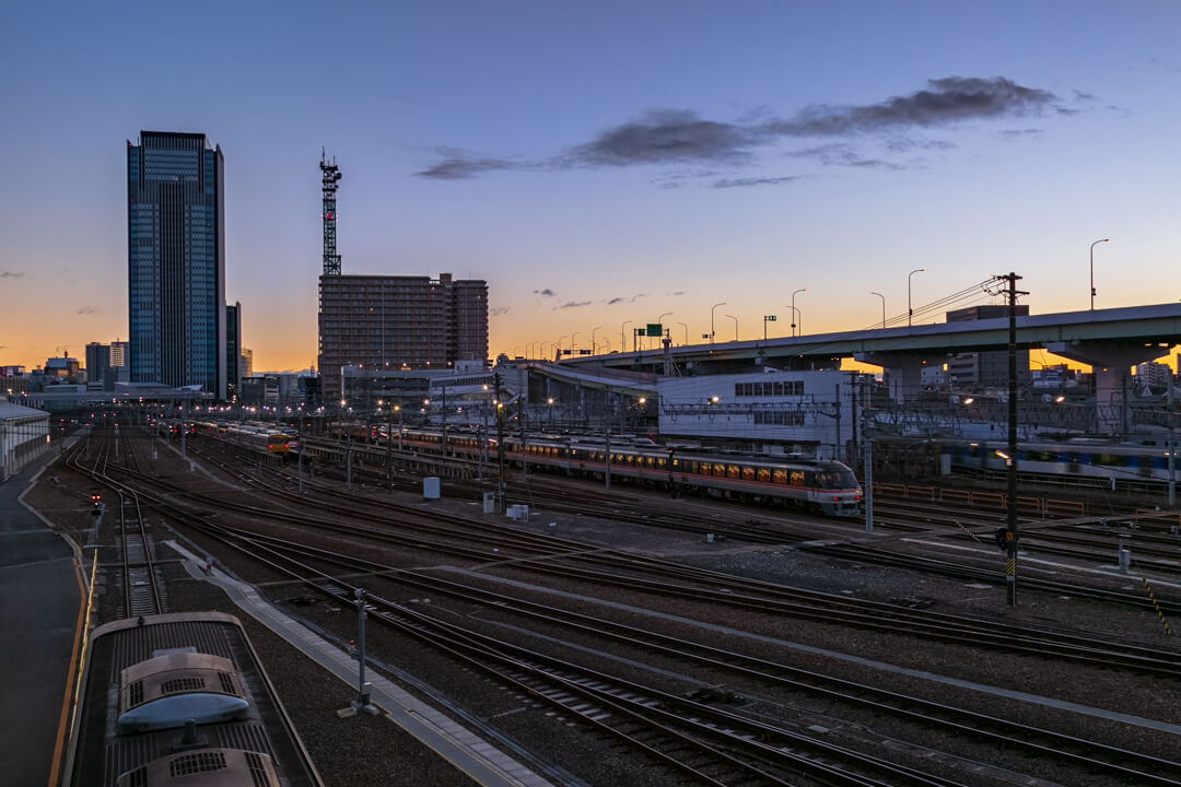 向野橋から撮影した電車の景色