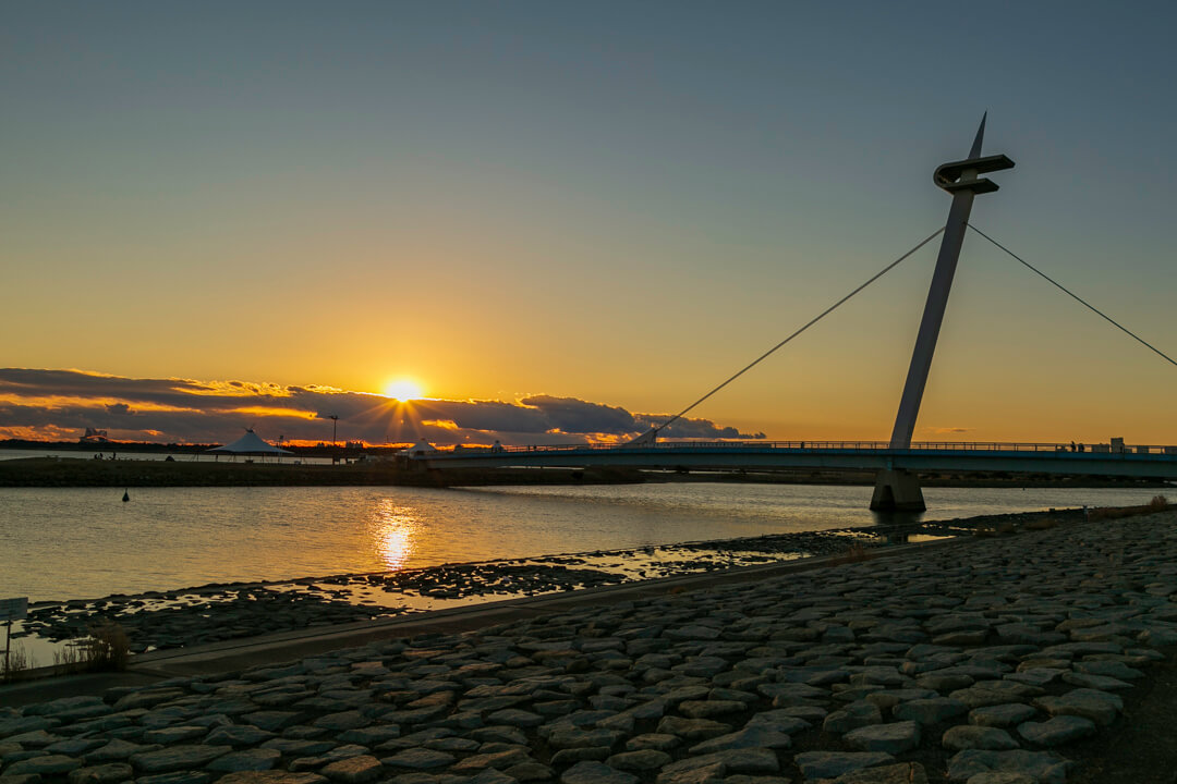 葛西臨海公園から撮影した夕日の写真